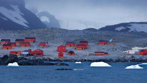 EsperanzaStation_Antartica_1920x1080